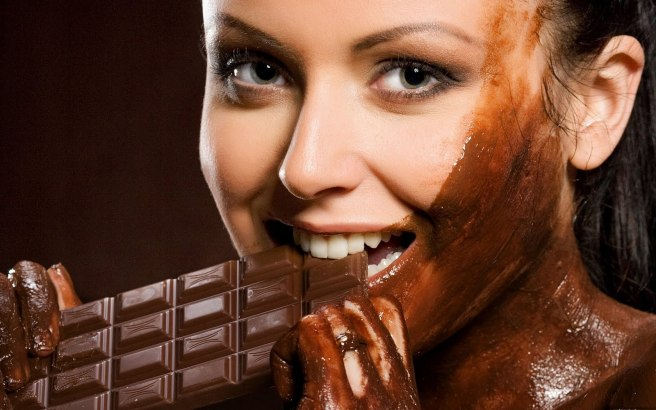 eating-chocolate-wallpapers