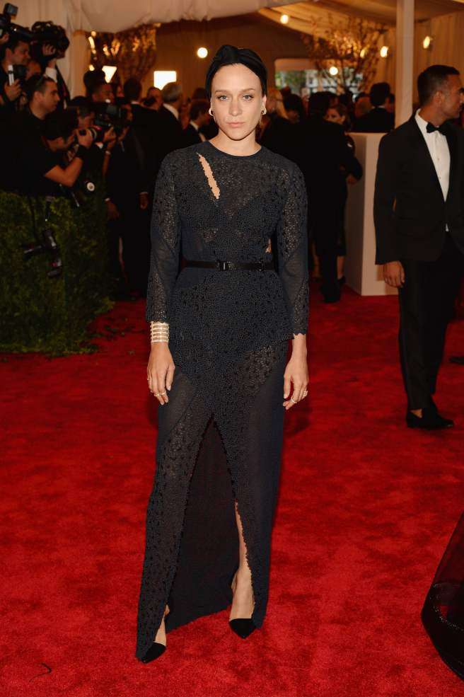chloe-sevigny-matched-black-proenza-schouler-cutout-gown