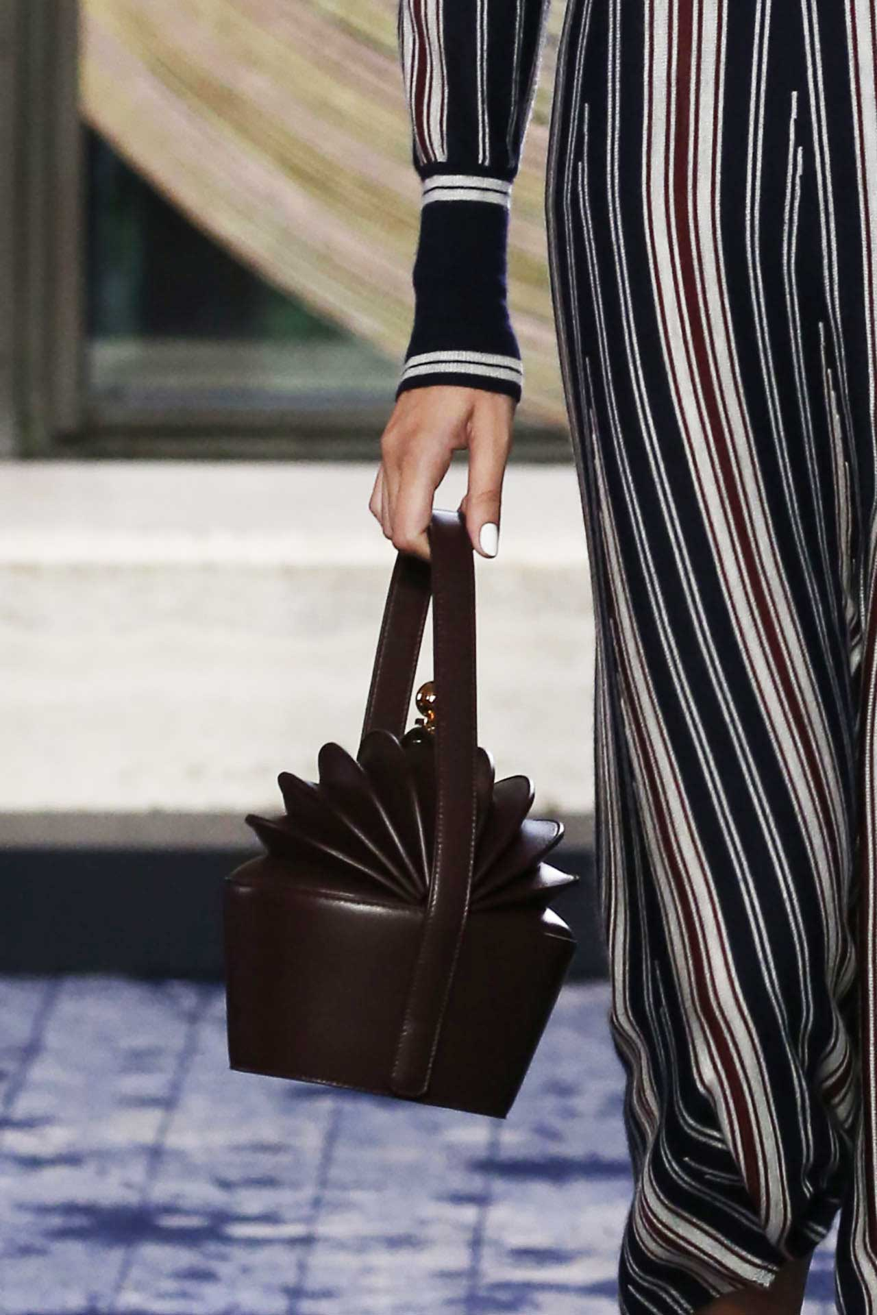 new-york-fashion-week-bags-spring-2018-gabriela-hearst-burgundy-structured-bag